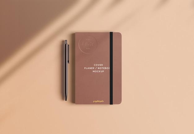 Cover notebook mockup Kostenlosen PSD