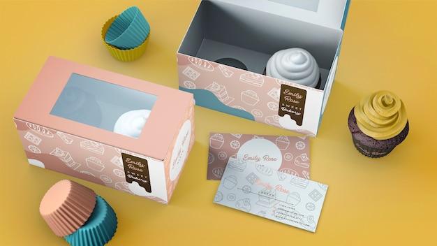 Cupcake-verpackung und branding-modell Kostenlosen PSD