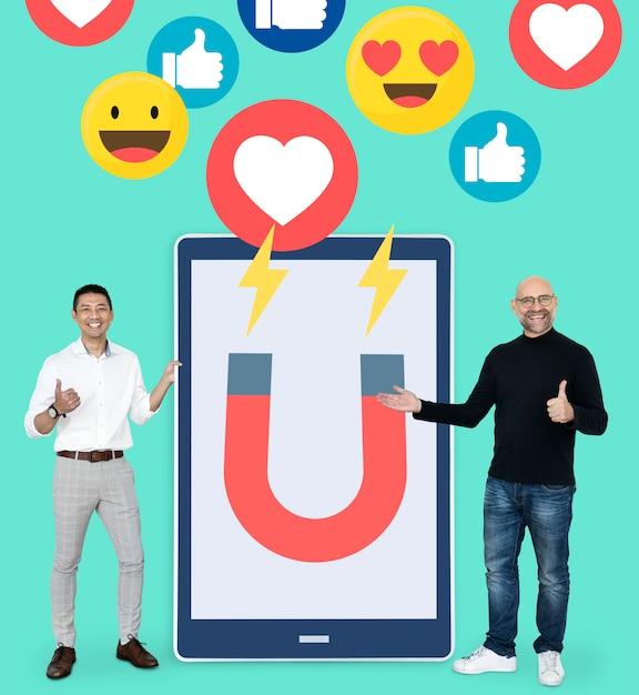 Digitales marketing auf einer tablette Premium PSD