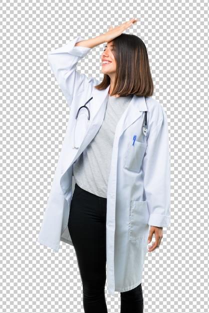 Doktor frau mit stethoskop hat gerade etwas realisiert und beabsichtigt die lösung Premium PSD