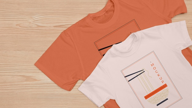 Draufsicht des t-shirt-konzept-modells Kostenlosen PSD