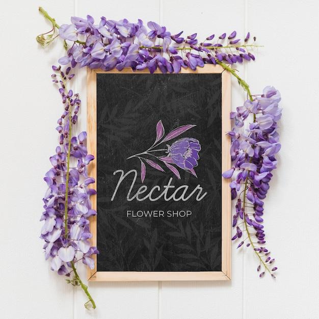 Draufsicht schöne lila blumen Kostenlosen PSD