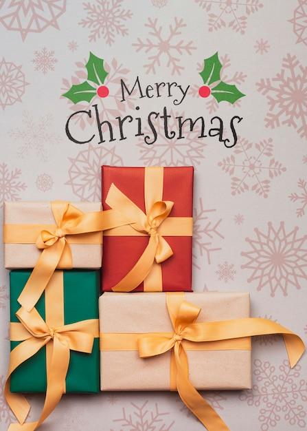 Draufsicht von bunten weihnachtsgeschenken Kostenlosen PSD