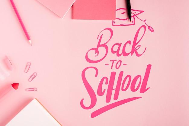 Draufsicht zurück zu schule mit rosa hintergrund Kostenlosen PSD