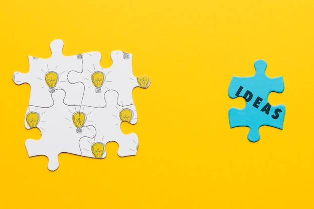 Draufsichtsortiment mit verschiedenen puzzleteilen Kostenlosen PSD