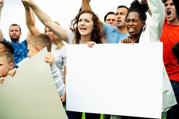Eine gruppe von aktivisten protestiert Premium PSD