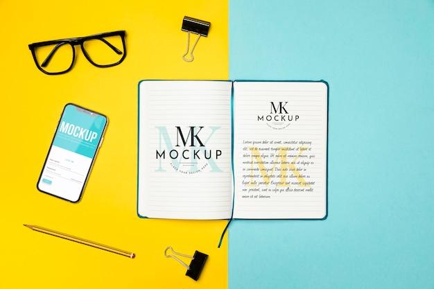 Flat-lay-notebook und geräteanordnung Kostenlosen PSD