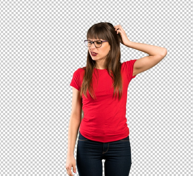 Frau mit brille frustriert und nimmt hände am kopf Premium PSD