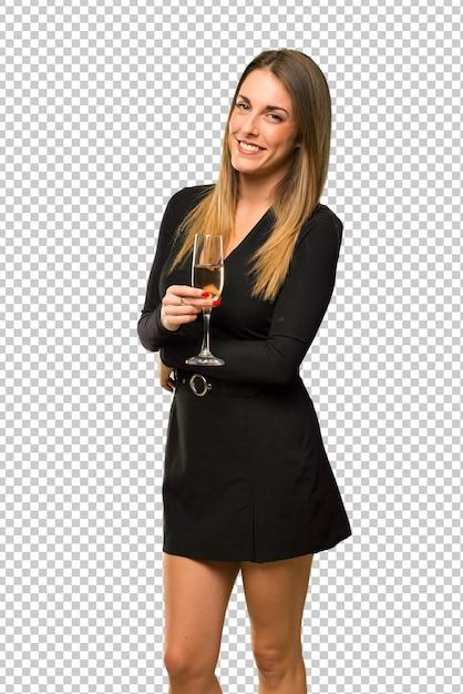 Frau mit champagner, der das neue jahr 2019 feiert und die arme in seitlicher position gekreuzt hält Premium PSD