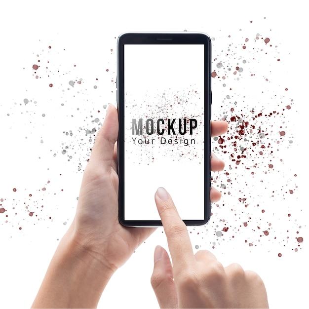 Frauenhand, die schwarzen smartphone mit modellschablone des leeren bildschirms hält und berührt Premium PSD