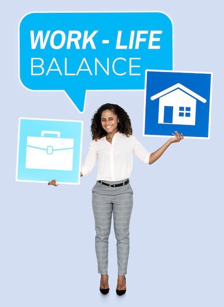 Geschäftsfrau, die nach einer work-life-balance sucht Premium PSD