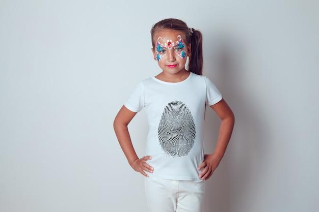 Gesichtsbemalung kinder t-shirt mock-up Premium PSD