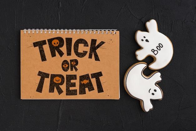Halloween-modell mit kalender Kostenlosen PSD