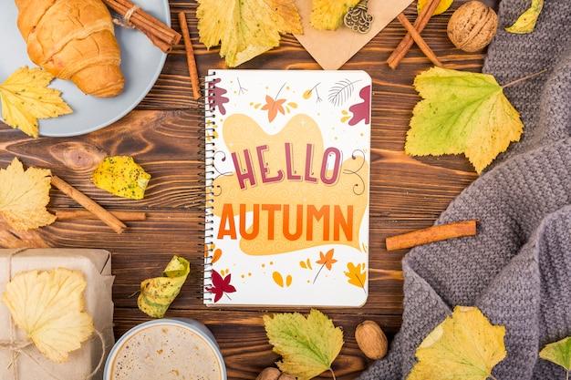 Herbstsaisonmodell mit notizbuch Kostenlosen PSD