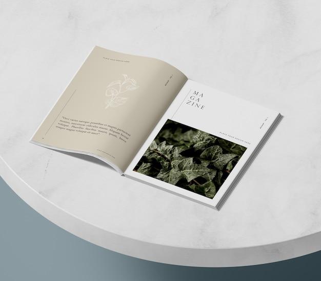 High view nature editorial magazine modell Premium PSD