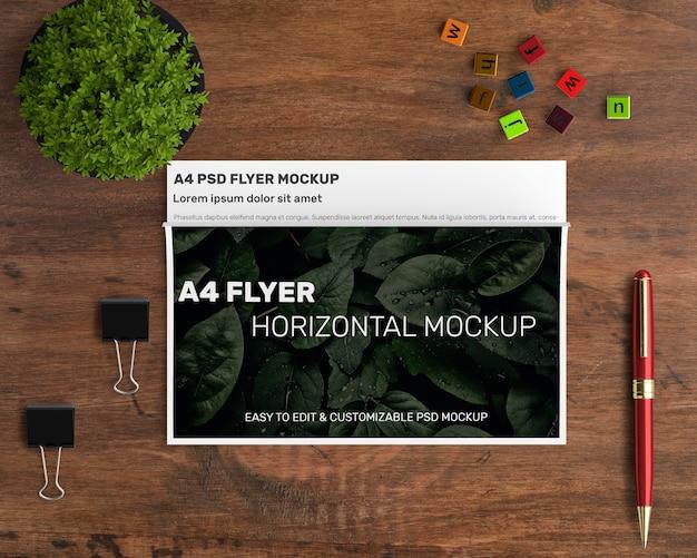 Horizontales fliegermodell a4 Kostenlosen PSD