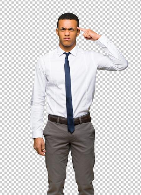 Junger afroamerikanischer geschäftsmann, der die geste des wahnsinns finger auf den kopf setzt Premium PSD