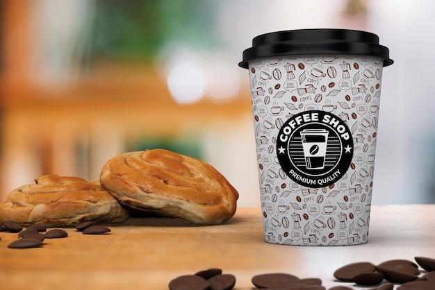 Kaffeetassenmodell mit frühstück Kostenlosen PSD