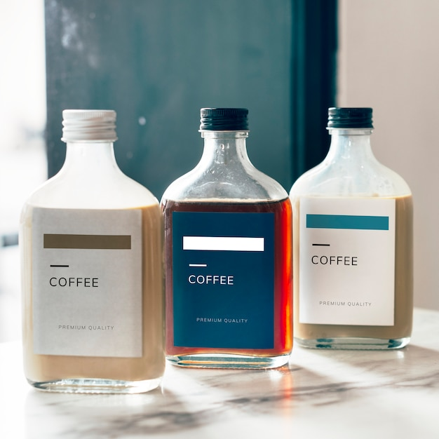 Kaltes gebräu-kaffeeflaschen-modelldesign Kostenlosen PSD