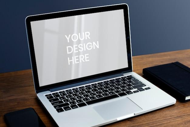 Leerer laptop-bildschirm Premium PSD