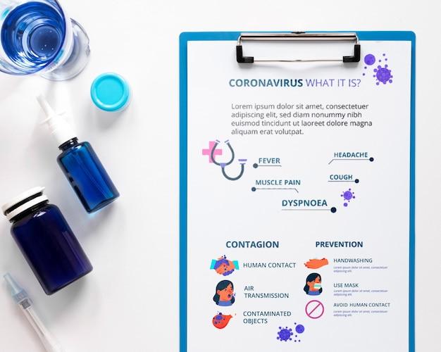Medizin und zwischenablage auf tablette Kostenlosen PSD