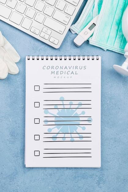 Medizinischer schreibtisch von oben mit notizbuch Kostenlosen PSD
