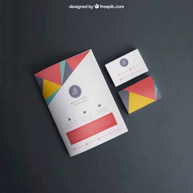 Mock-up mit cover und visitenkarten Kostenlosen PSD