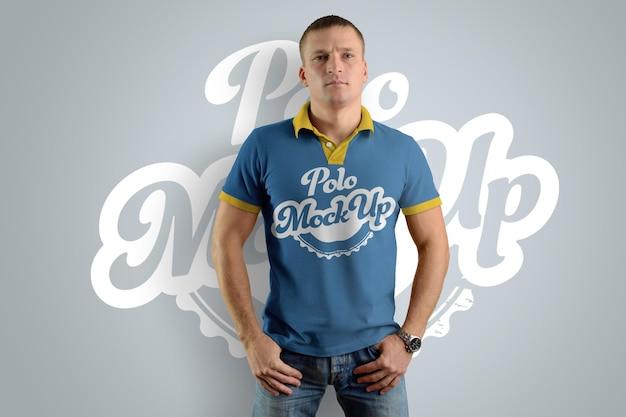 Mockups polo t-shirts auf dem mann Premium PSD