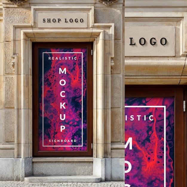 Modell des fensterglasfallplakats und des logos des shops 3d auf klassischem architekturgebäude Premium PSD
