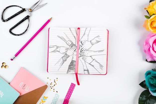 Modell des offenen buches in der rosa weiblichen art Kostenlosen PSD