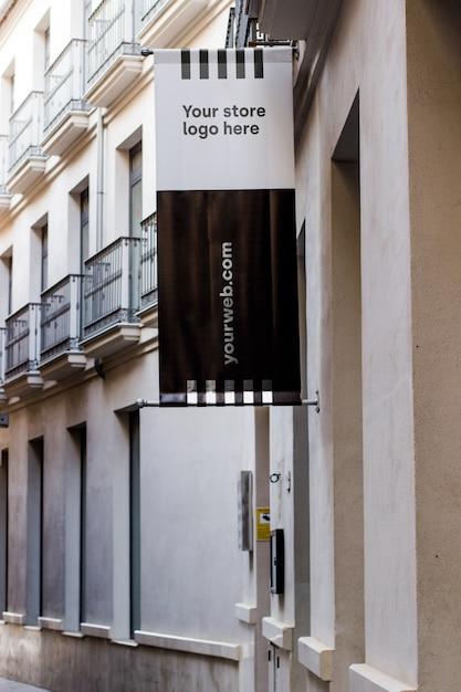 Modellzeichen außerhalb des shops Kostenlosen PSD