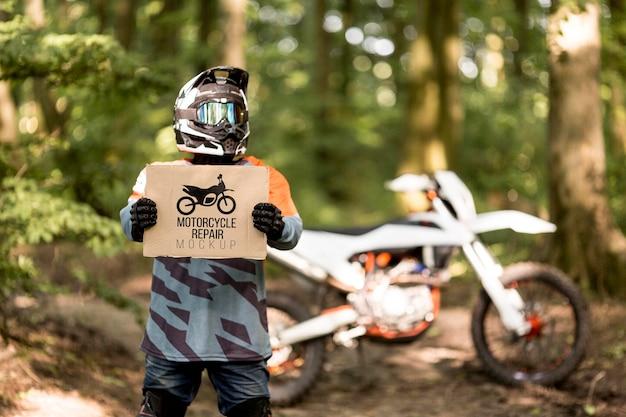 Motorradfahrer hält zeichen Kostenlosen PSD
