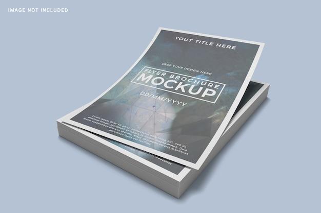 Nahaufnahme auf gestapeltem flayer-broschürenmodell Premium PSD