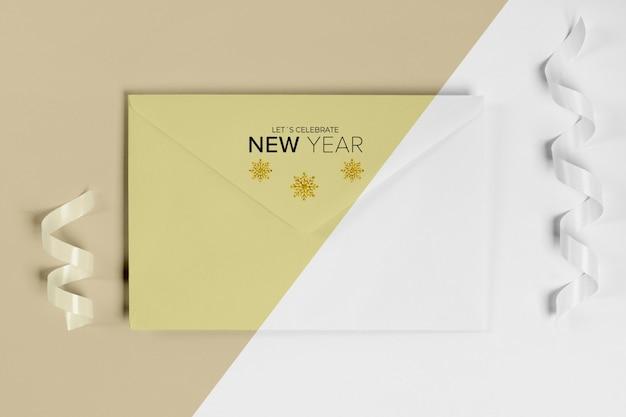Neujahrsumschlag-einladungsmodell mit band Kostenlosen PSD