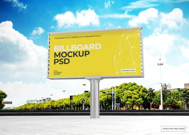 Plakatmodellentwurf gegen den himmel Premium PSD