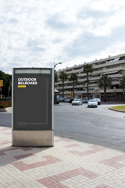 Plakatwand im freien in der stadt Kostenlosen PSD