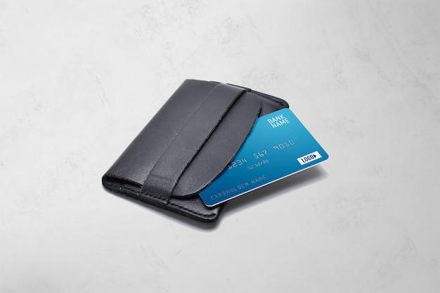 Plastikkarte auf einem brieftaschenmodell Premium PSD