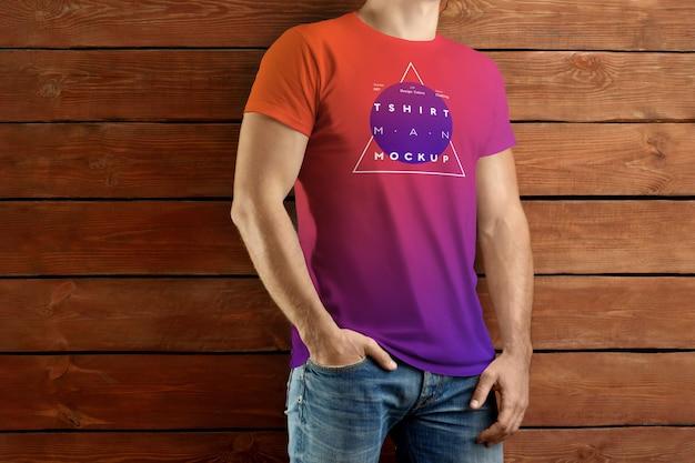 Polo t-shirt modelle. das design ist einfach beim anpassen des bilddesigns und der farbe von t-shirt, manschette, knopf und kragen Premium PSD