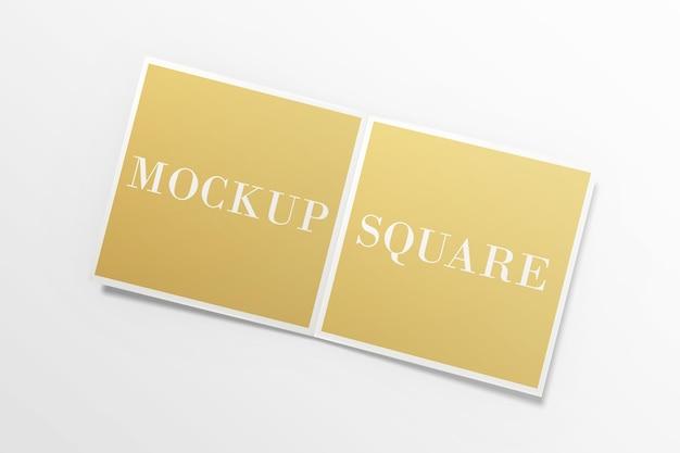 Quadratisches zweifach gefaltetes broschürenmodell isoliert Premium PSD