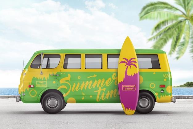 Retro-van mit surfbrett-markenmodell Premium PSD