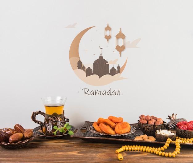 Schönes stillleben mit ramadán-elementen Kostenlosen PSD