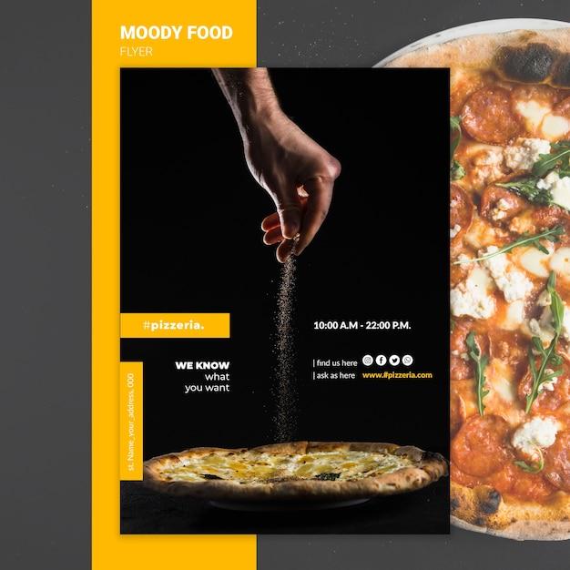 Schwermütiges restaurantlebensmittel-fliegermodell Kostenlosen PSD