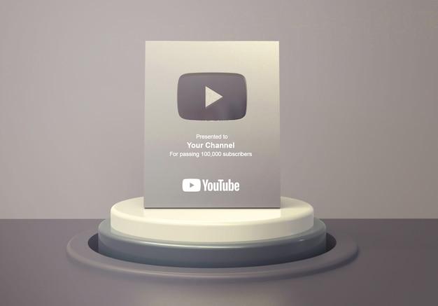 Silver play button youtube auf rundem podiumsockel modell Premium PSD