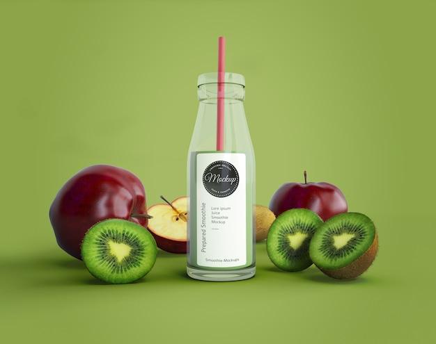 Smoothie mit äpfeln und kiwi-modell Kostenlosen PSD