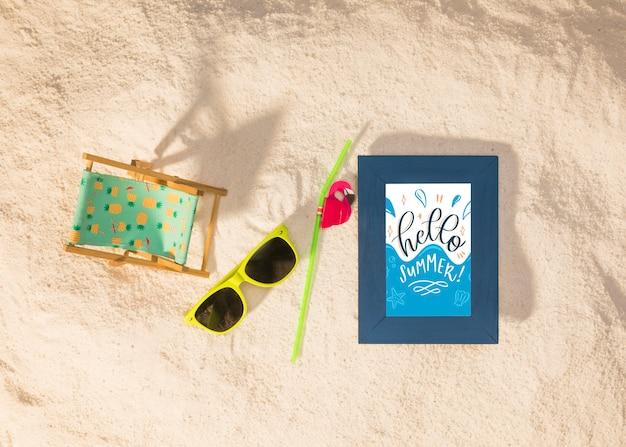 Sommermodell mit einer sonnenbrille Kostenlosen PSD