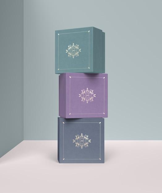 Stapel von farbigen schmuckgeschenkboxen Kostenlosen PSD