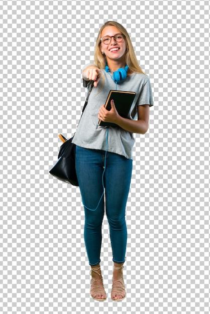 Studentenmädchen mit gläsern zeigend mit dem finger auf jemand und viel lachend Premium PSD