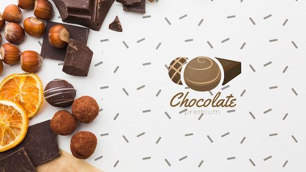 Süße schokolade und früchte mit weißem hintergrundmodell Kostenlosen PSD