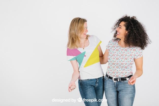 T-shirt-modell mit frauen Kostenlosen PSD