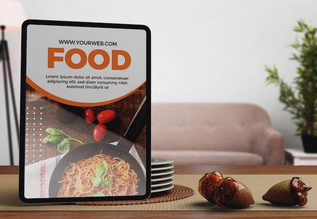 Tablette mit erntedankfest-design Kostenlosen PSD
